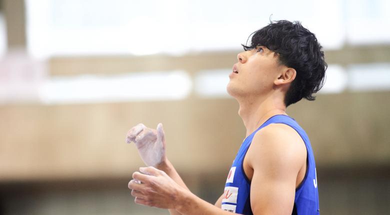藤井快が全課題完登でボルダリング首位発進【クライミング世界選手権2021】